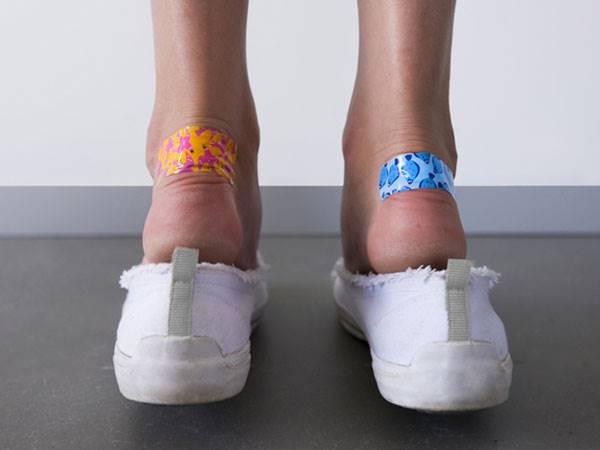 Tips Unik Saat Beli Sepatu Baru Agar Tak Buat Kaki Lecet 9a61fd7382