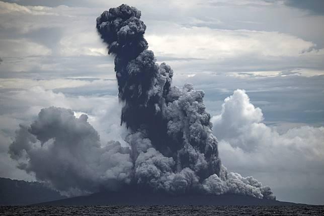 Status Gunung Anak Krakatau Diturunkan
