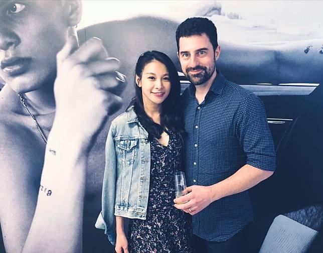 艾莉絲和老公