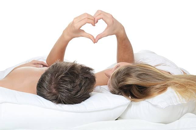 5 Zodiak yang Dikenal Paling Romantis, Anda Termasuk?