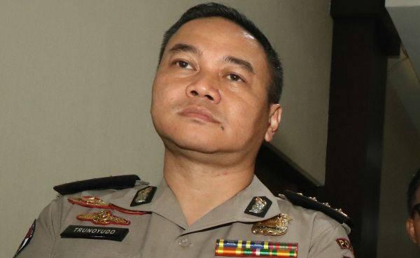 Kepala Bidang Hubungan Masyarakat Polda Jatim Komisaris Besar Trunoyudo Wisnu Andiko