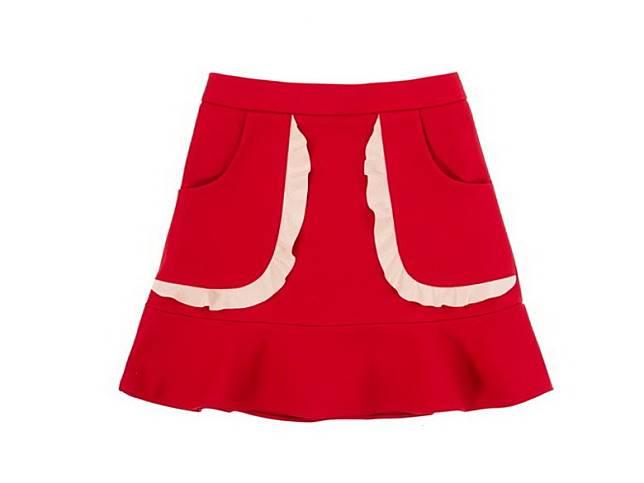 REDValentino紅色短裙(互聯網)