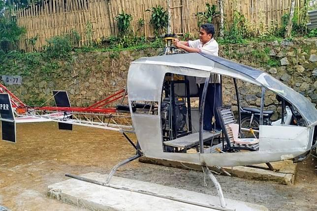 Bosan Macet-Macetan, Buruh Bengkel Ini Bikin Helikopter Sendiri