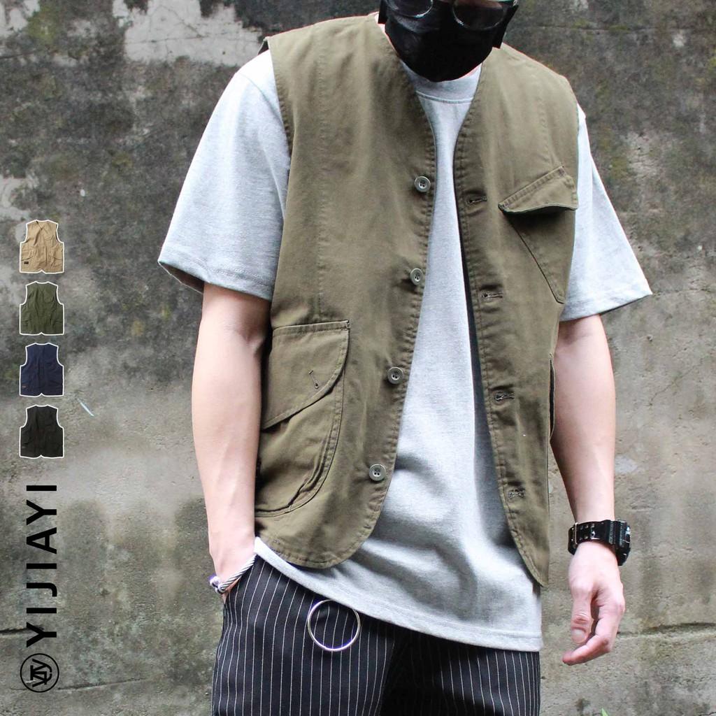 更多超值外套請點這邊喔⤵ #YIJIAYI百搭外套 尺寸表在圖片最後一張 #外套 #潮流 #多口袋 #工裝 #馬甲 #背心 #OUTDOOR #軍事背心 #工作背心 #馬甲背心 #古著 #戰術背心 #