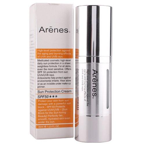 對抗肌膚老化首選,輕透乳霜質地提高肌膚亮白感,並修護調理肌膚SPF50防曬因子,提升肌膚對環境傷害的保護力