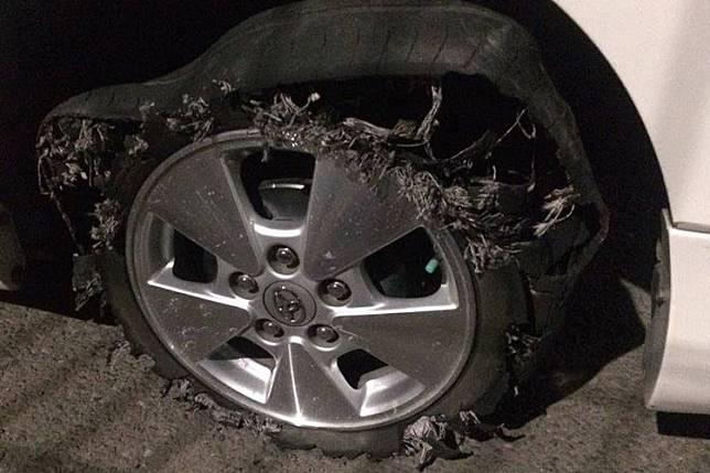 Ilustrasi ban pecah pada mobil