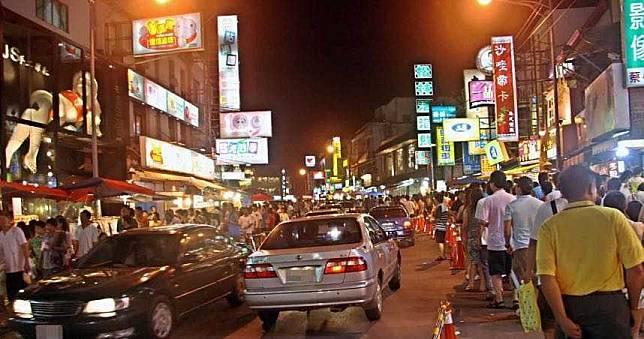 夜市、寺廟、觀光景點等!今起人流管制 只准5成遊客進入