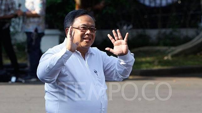 Bambang Brodjonegoro tiba di Komplek Istana Kepresidenan, Jakarta, Selasa 22 Oktober 2019. TEMPO/Subekti