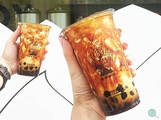 2018年7月,老虎堂爆發假手炒黑糖事件後,祭出買一送一活動,企圖挽回消費者的信心。(圖片來源=老虎堂臉書粉絲團)