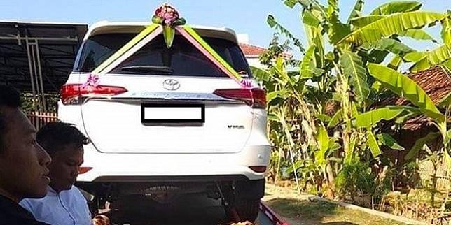 Toyota Fortuner yang jadi mahar pernikahan (Alwi Alaydrus/ KRjogja.com)