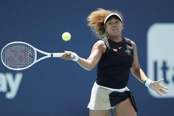 Petenis Jepang Naomi Osaka tersingkir di babak kedua Madrid Open 2021.