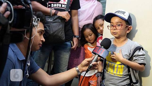 Sekedar informasi, Daus Mini pernah menikah dengan Yunita Lestari pada  17 Juli 2011. Rumah tangga yang kandas pada 19 Mei 2014 itu dikaruniai seorang anak yang diberinama Ivander Haykal Firdaus. (Deki Prayoga/Bintang.com)