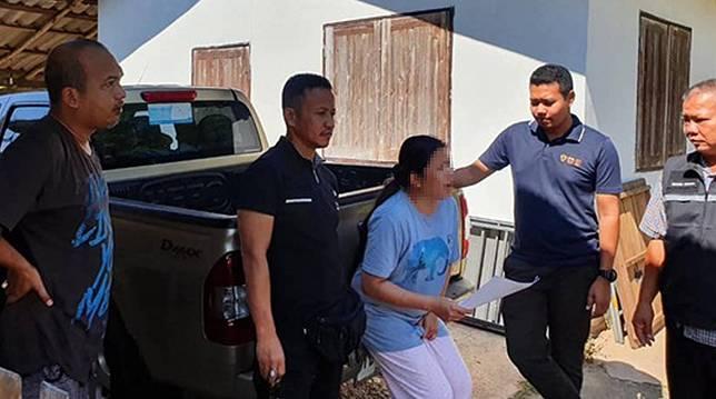 จับแม่เล้า 'สาว' วัย 37 ปี ลวงหญิงไทย ไปทำงานที่ บาร์เรน ยึดพาสปอร์ต-เงินสด-โทรศัพท์ บังคับค้าประเวณี