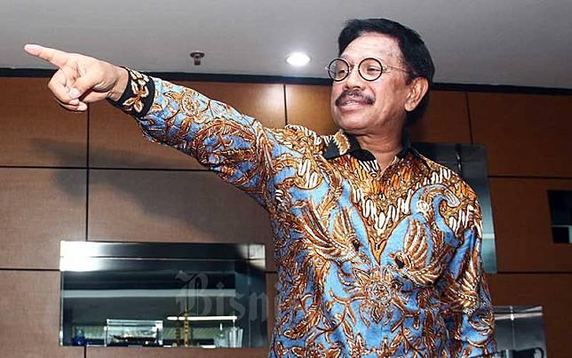 Menteri Komunikasi dan Informatika (Menkominfo) Johnny G. Plate memberikan penjelasan di Jakarta, Kamis (7/11/2019). Bisnis/Triawanda Tirta Aditya