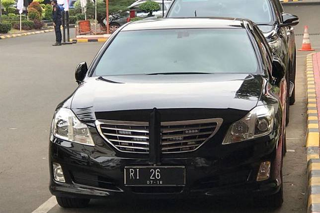 Mobil Dinas Menteri Keuangan Sri Mulyani