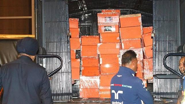Polisi Sita Ratusan Tas Mewah Najib Razak