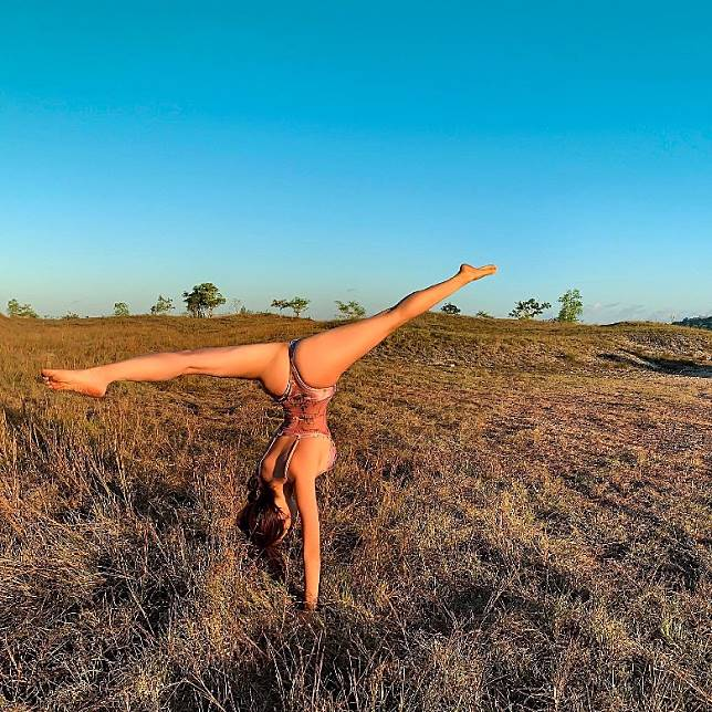 身體柔軟,高難度動作無問題。(互聯網)