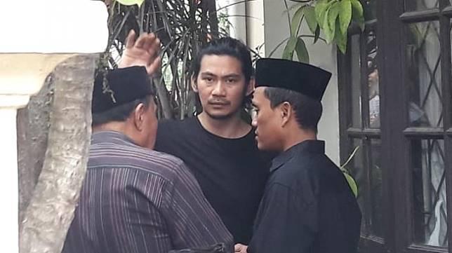 Donny Alamsyah di rumah duka di kawasan Karang Tengah, Cilandak, Jakarta Selatan. [istimewa]