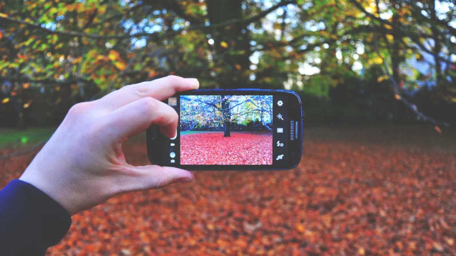即拿即拍!超輕便攜帶『手機攝影小物』專業手機拍照穩定器推薦