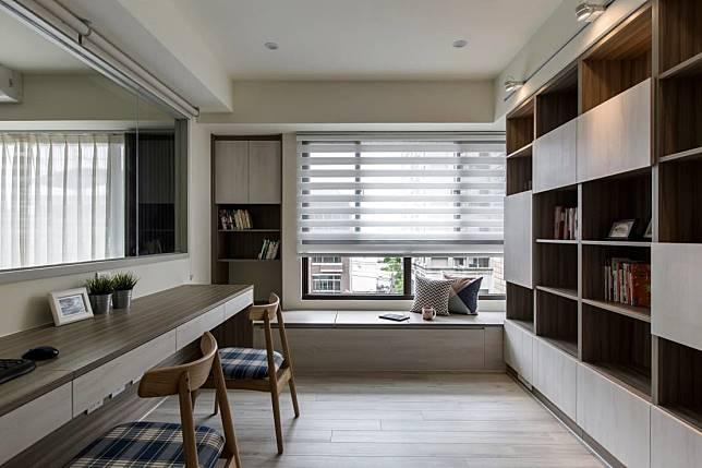 4. 淺色調的書房
