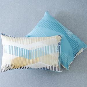 和樂自有品牌產品 100%棉,13372,40支棉 輕巧、柔軟及舒適 精細別緻,光澤鮮明 觸感柔順 手感絕佳 內容物 - 美式枕套x2 (51x76cm,無枕頭枕心)