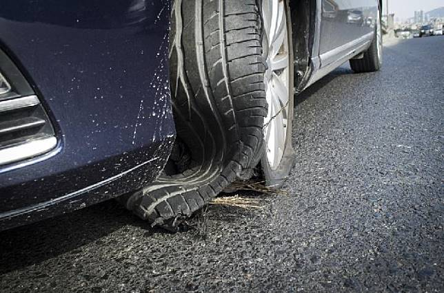 Ilustrasi pecah ban (Hyundai Indonesia)