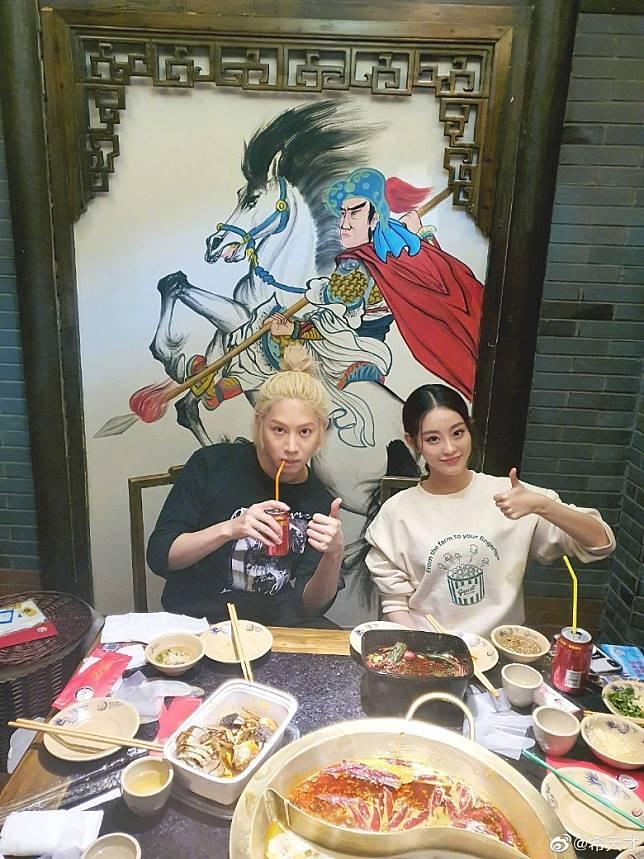 二人在上海打邊爐!