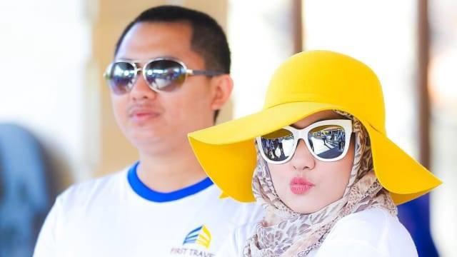Anniesa Hasibuan dan suami (Foto: Instagram/@anniesahasibuan)