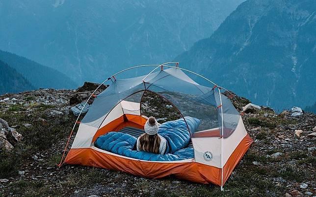 7 Inspirasi Tenda Transparan yang Membuat Camping-mu Semakin Seru