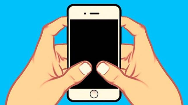 Menggunakan kedua tangan untuk memegang dan menyentuh layar ponsel. (Bright Side)