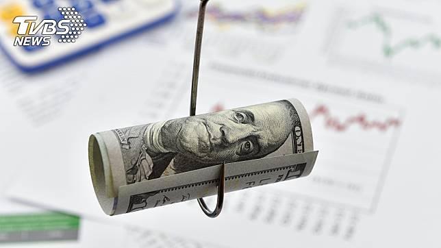 婦人慘遭詐騙,月損失6萬元。示意圖/TVBS
