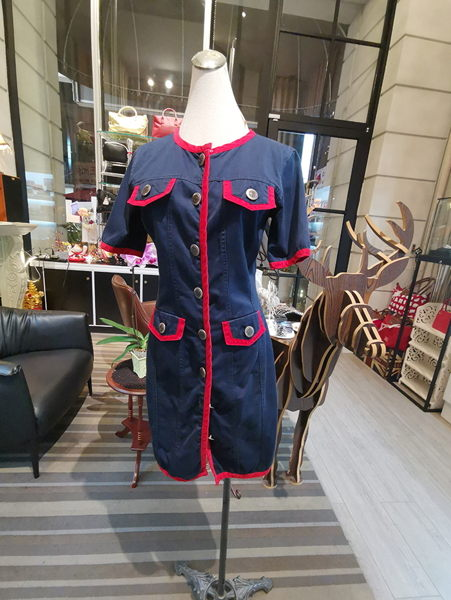 Moschino旗下牛仔系列風格高貴迷~高雅時尚!