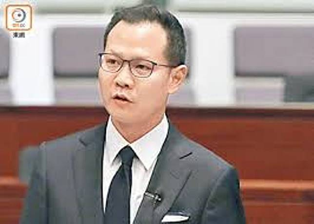 郭榮鏗的言論被指「只許周官放火,不許百姓點燈」。