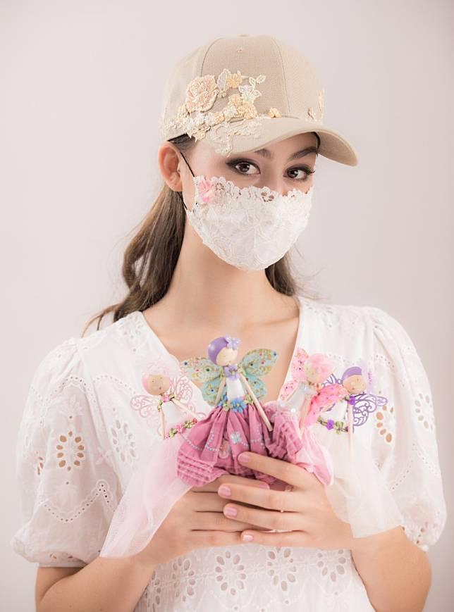 象牙白色Lili配搭大地色調Fairycap,散發女性獨有的氣質。 (互聯網)