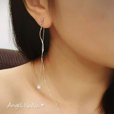 銀針耳環。AngelNaNa 韓 波浪 閃鑽流蘇 後扣式 防過敏 垂墬 耳線 耳釘【RA0008】