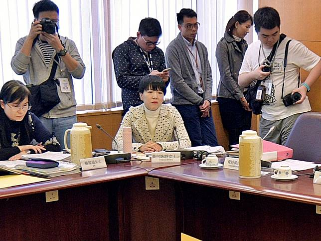 中西區區議員向申訴專員投訴民政事情專員黃何詠詩。資料圖片