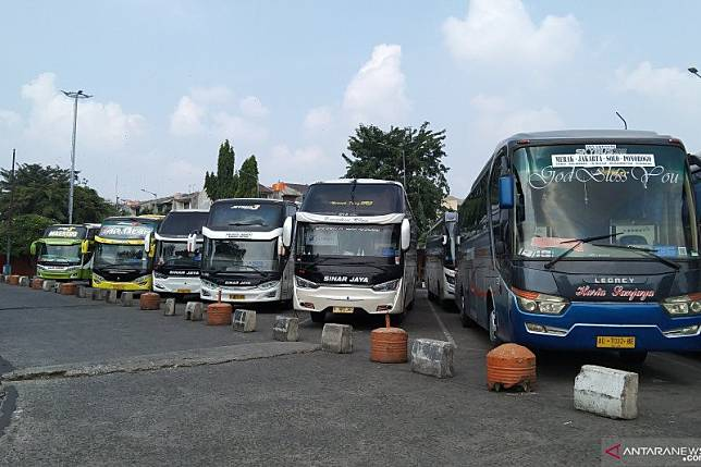 Hari pertama larangan mudik, Terminal Kalideres berangkatkan 22 orang
