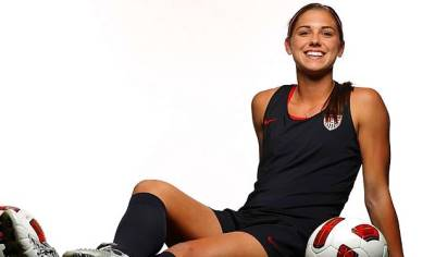 Chưa biết đá ra sao, cầu thủ nữ đã luôn có sức quyến rũ đặc biệt?