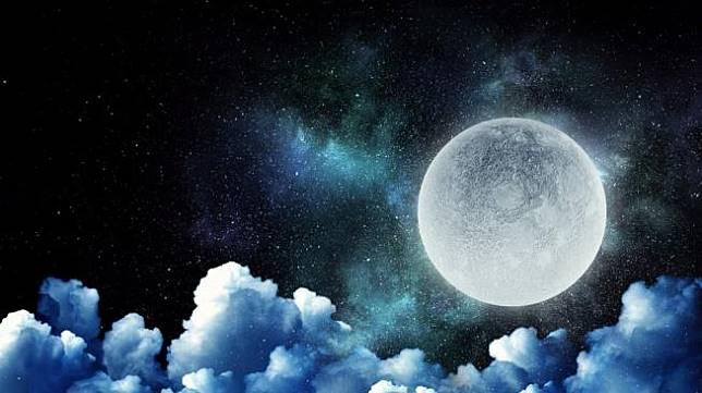 Ilmuwan Terkejut Temukan Es di Kutub Selatan Bulan, Ada Apa Ya? [Shutterstock]
