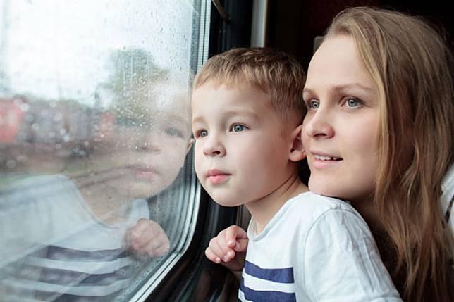 6 Tips Liburan Bersama Keluarga di Musim Hujan