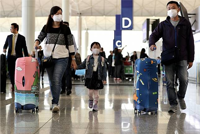 China coronavirus: Cathay Pacific, Hong Kong Airlines move to halve mainland flights after government directive