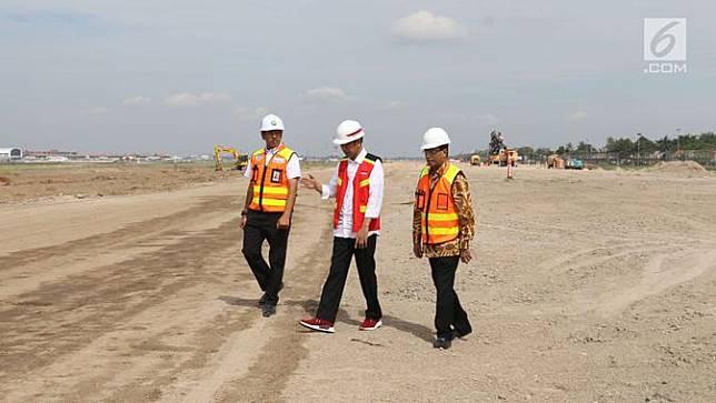 Presiden Jokowi Tinjau Proyek Runway 3 Bandara Soetta