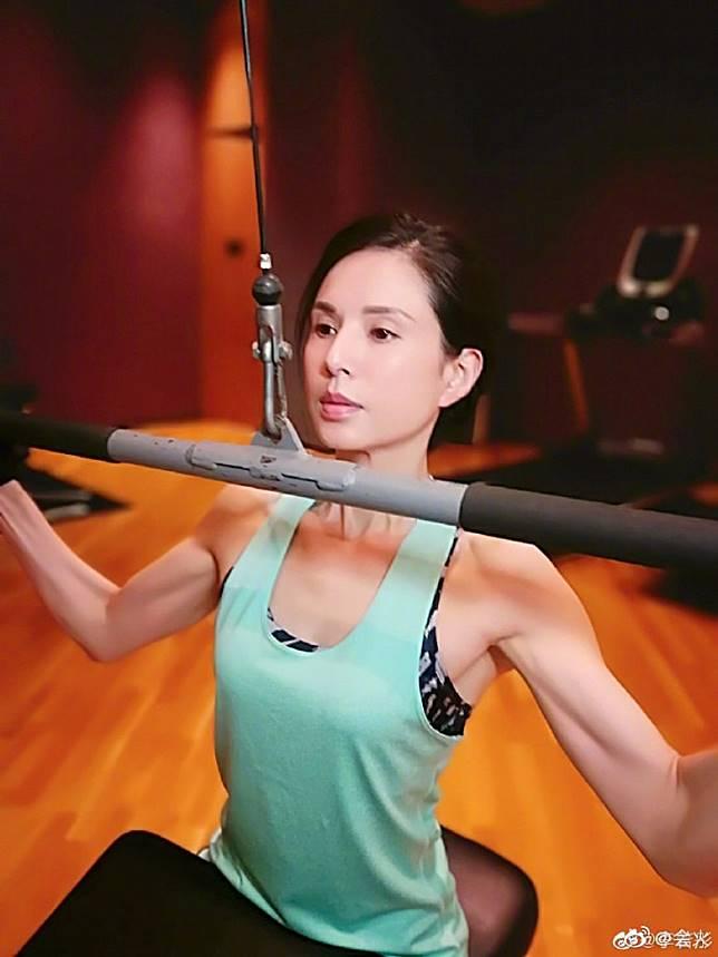 李若彤成日做運動。