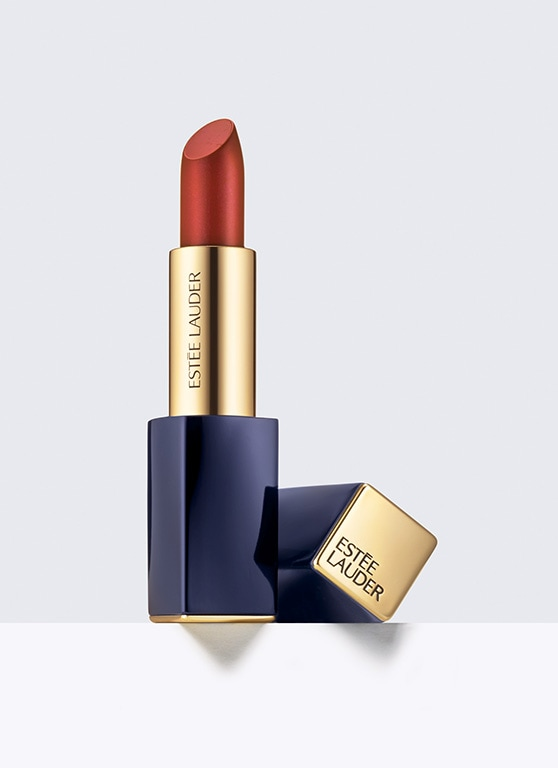 Transforms lips with lustrous color, brilliant shine.