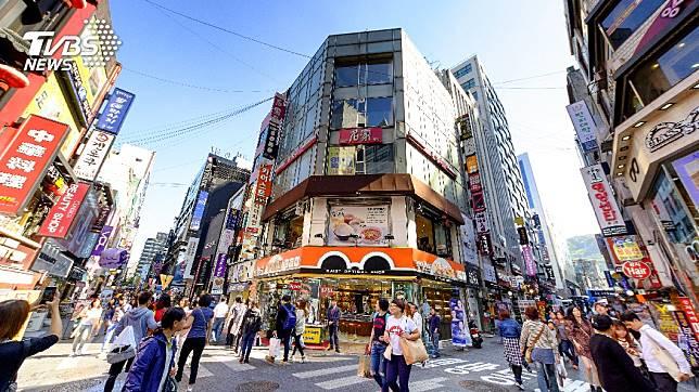 明洞是許多人到首爾旅遊必去的地方。(圖/TVBS)