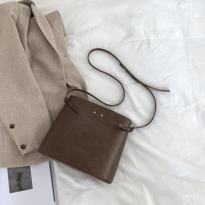 韓國復古小眾設計鱷魚紋單肩水桶包ins春夏新款女包百搭斜挎包包