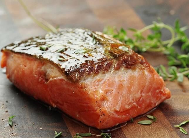 三文魚中的Omega-3脂肪酸,可強化人體免疫力。(互聯網)