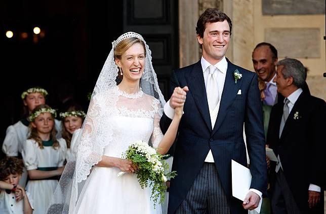 11 Gaun Pernikahan Kerajaan yang Tak Terlupakan Sepanjang Masa