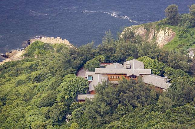 Man arrested after suspected break-in attempt at luxury home of Hong Kong tycoon Richard Li