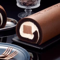 ◎BT21宇宙明星合作限定款生乳捲|◎使用比利時54%巧克力、濃郁可可香苦中帶甜|◎一款巧克力迷不容錯過的驚豔滋味商品名稱:亞尼克巧克力雪糕生乳捲+BT21石疊罐裝+生乳蒸布丁禮盒品牌:亞尼克果子工房